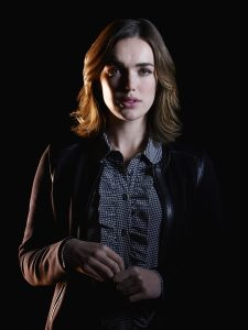 Agents of S.H.I.E.L.D. Exclusive: Elizabeth Henstridge On Simmons And Inhumans