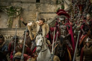 Ben-Hur Roundtable: Toby Kebbell and Pilou Asbaek on the Chariot Race and Assassination Attempt