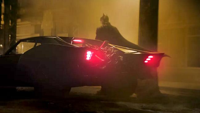 DIRECTOR MATT REEVES SHOWS US BATMAN'S RIDE