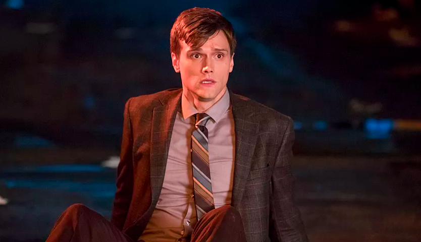 CW's THE FLASH: Elongated Man Bounced For Bad Tweets!