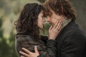 Outlander: Caitriona Balfe Answers Fan Questions