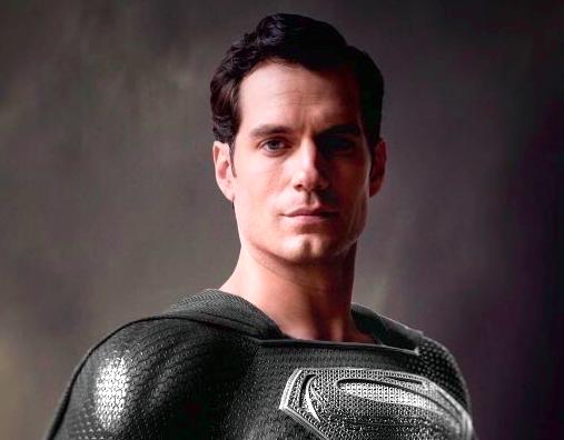 SNYDER DROPS NEW 'SUPERMAN' IMAGE